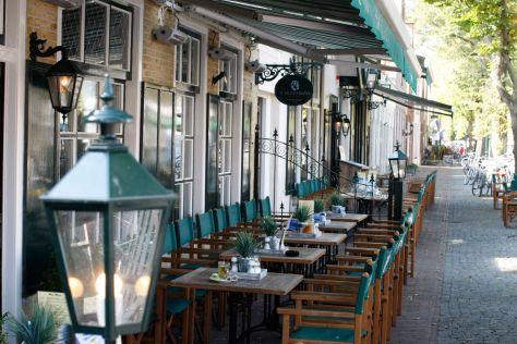 Terras Dorpstraat Hotel De Wadden